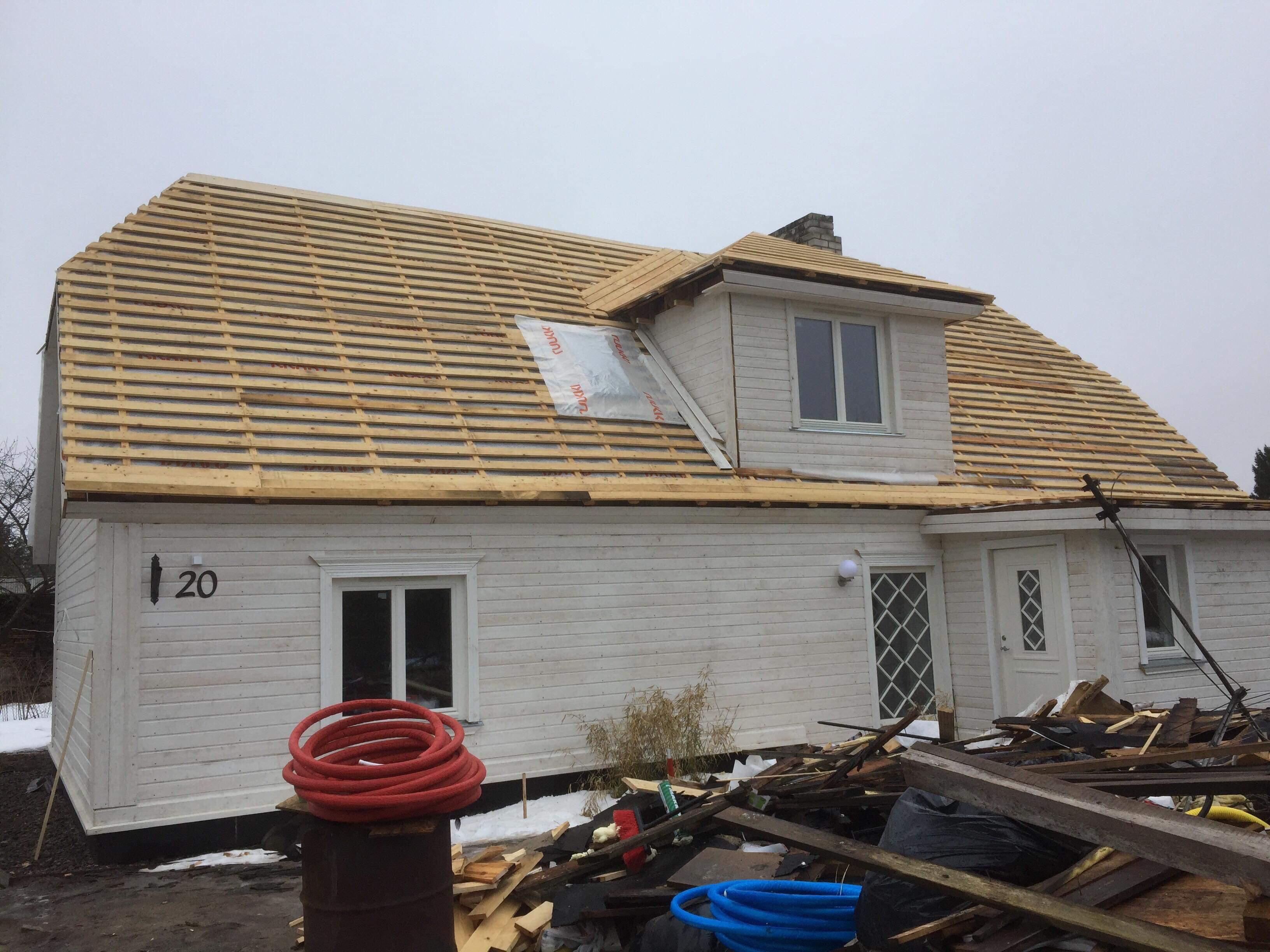 Plekk katuse paigaldus